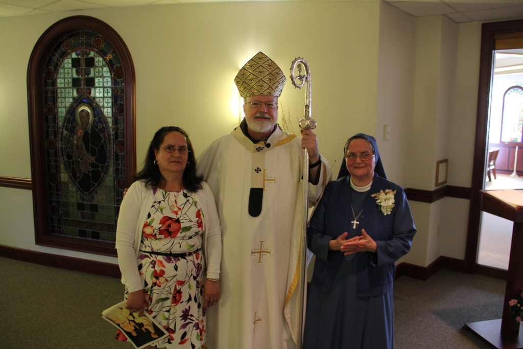 Sr. Michelle with her sister  Gracia and Cardinal Sean O'Malley