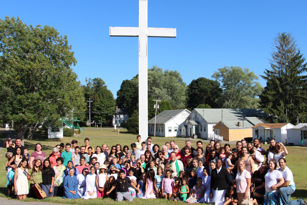124 people made up of 2 priests, 9 Religious sisters, 7 lay leaders and 24 Families participated in the Holy Family Institute Northeast USA Retreat