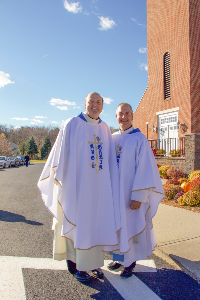 Fr. Michael Harrington, IGS and Fr. Edward Riley, IGS, the first priests of the Institute of Jesus the Priest (Pauline Family) in the United States.